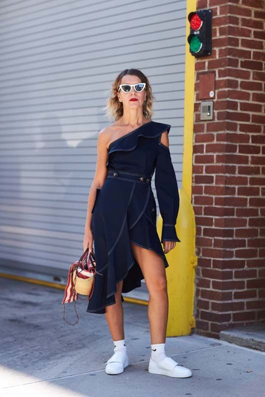 new-york-fashion-week-street-style-spring-2018-235176-1505126833120-image.600x0c