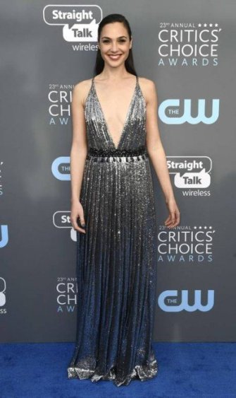 x74200551_SANTA-MONICA-CAJANUARY-11-Actor-Gal-Gadot-attends-The-23rd-Annual-Critics27-Choice-Aw.jpg.pagespeed.ic.plrQmT_mNj
