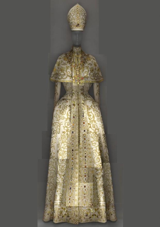 07-met-exhibit-vatican-fashion