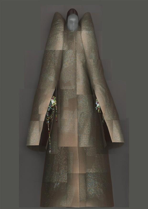08-met-exhibit-vatican-fashion