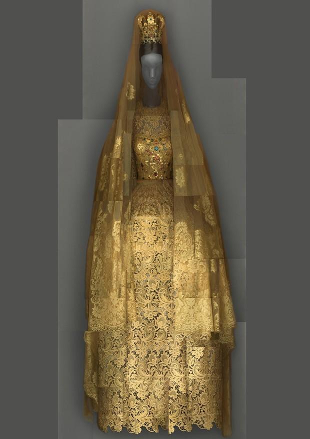 11-met-exhibit-vatican-fashion