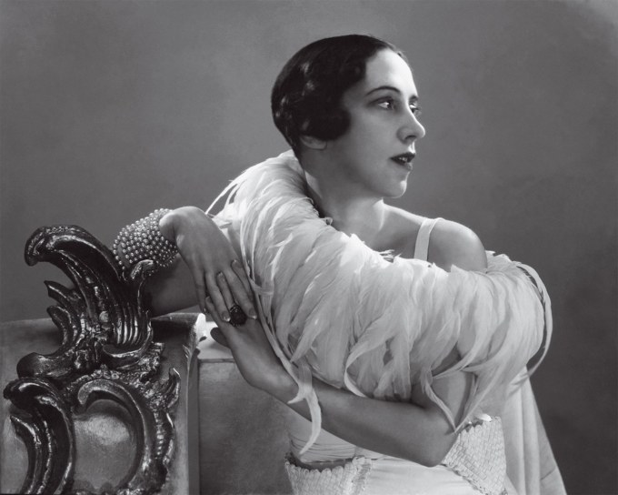 best-raven-haired-beauties-elsa-schiaparelli