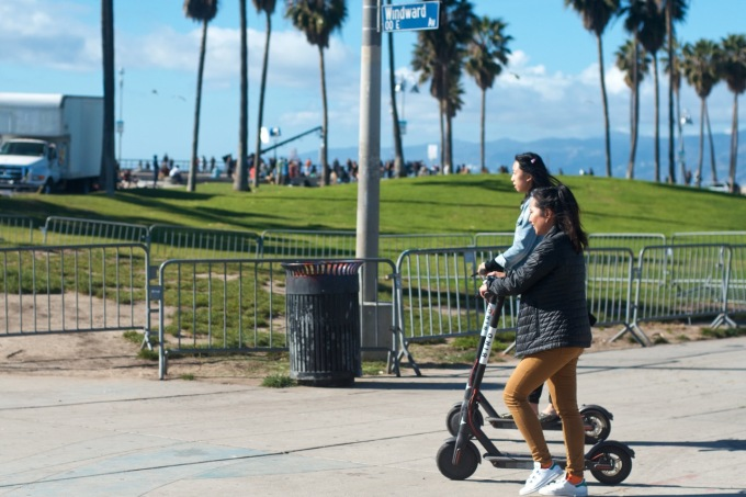 3.-Bird-Scooter-Venice-Beach