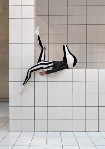 the-squash-installation-by-anthea-hamilton-at-tate-britain-london-5